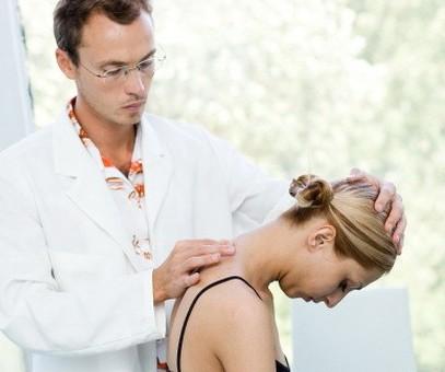 Біль в коліні до якого лікаря звернутися
